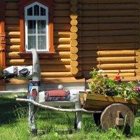Нарва-Йыэcуу, Эстония, дворик церкви в честь Казанской иконы Божией Матери :: veera (veerra)