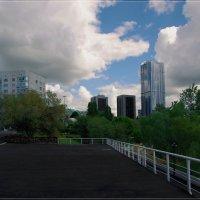 Вид с набережной на высотки. :: Anatol Livtsov