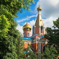 Патриаршее подворье Храм Воскресения Христова на Семеновском кладбище :: Александр Шурпаков