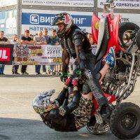 Трюк на квадроцикле :: Дмитрий Сиялов