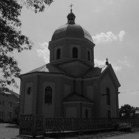 Греко - католический   храм   в   Опрышивцах :: Андрей  Васильевич Коляскин