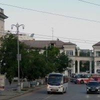 Площадь Адмирала Лазарева, утро :: Александр Рыжов