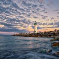 Breakwater Light :: Roman Mordashev