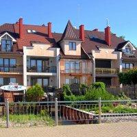 Отель на побережье :: Сергей Карачин