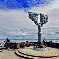 Памятник влюбленным г. Саратов. :: Тамара Бучарская