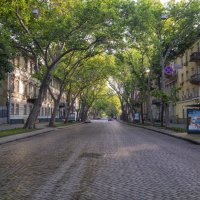 Просыпающийся город, - Пушкинская в 6 утра... :: Вахтанг Хантадзе