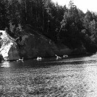 Вниз по реке Латвии Гауе. 1975 г. :: Иволий Щёголев