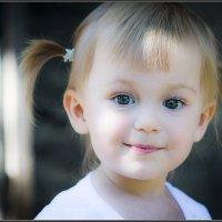 Детское счастье...моя внученька Натали :: Юрий Яньков