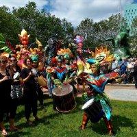 Фестивальное шествие (серия). Танец птицы :: Nina Yudicheva