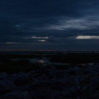 Дамба Санкт-Петербурга в белую ночь :: Михаил Вандич