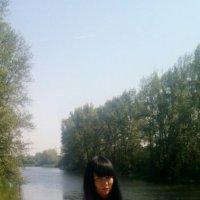 рядом с маленькой речкой :: елена леонтьева