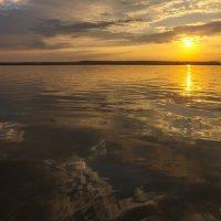 Летний вечер на водохранилище 2017 :: Юрий Клишин