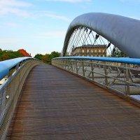 Пешеходный мост им. Отца Бернатека через Вислу в Кракове :: Денис Кораблёв