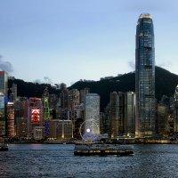 Вечер на острове Гонконг. :: К-х