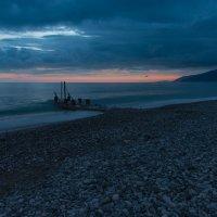 Созерцая вечернее море. :: Виктор Евстратов