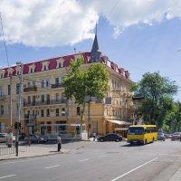 Летний день на Ришельевской. :: Вахтанг Хантадзе