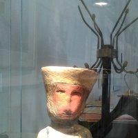 Керамический портрет человека в Галерее книги и графики. (С-Петербург). :: Светлана Калмыкова