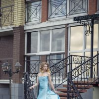 В платье :: Женя Рыжов