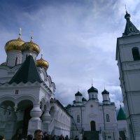 Территория Ипатьевского монастыря :: Аlexandr Guru-Zhurzh