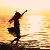 Танец на закате :: Анна Фрошгайзер