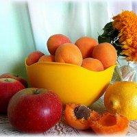 Солнечные фрукты. :: nadyasilyuk Вознюк
