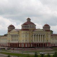 Саранск, новое здание краеведческого музея :: Олег Манаенков