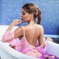 В ванне :: Софья Ознобихина