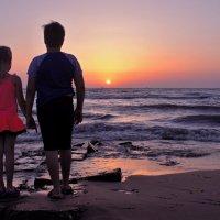 Дети и море.... :: владимир