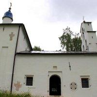 Никольская церковь на Труворовом городище. :: Нина Бурченкова.