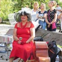 Дама в красном :: Ростислав