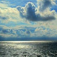 Небо хмурится :: Сергей Карачин