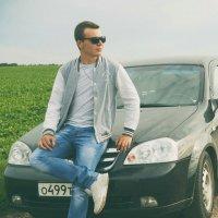 у машины :: Роман Прокофьев