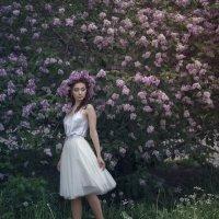 В белом платье :: Женя Рыжов