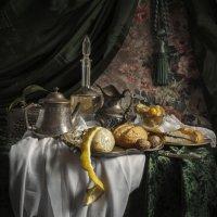 натюрморт с лимоном и булочками :: Evgeny Kornienko