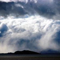 Облачное цунами на Байкале :: Андрей Петрович