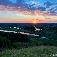 Встречая рассвет на Барской горе :: Сергей