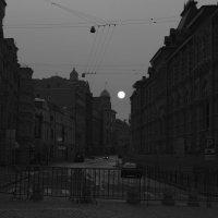 Москва , рассвет :: Игорь Легкодымов