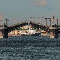 Подъем пролетов Благовещенского моста 23-07-2017 :: Валентин Яруллин