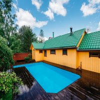 Домик с бассейном :: Андрей Липов