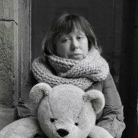 Портрет   женщины   с    медведем :: Александр Поздеев