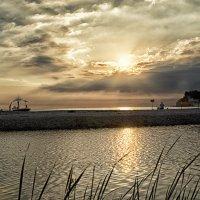 При закате рисунок неба никогда не бывает одинаков.. :: Лилия .