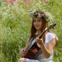 Девушка с гитарой :: Степан Куруч