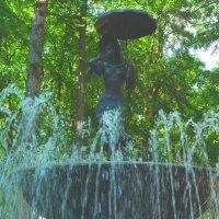 Девушка под зонтиком. :: Александр Атаулин