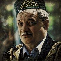 Портрет ужчины в национальном костюме... :: Алексей Лебедев