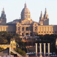 Барселона. Национальный дворец на горе Монжуик :: татьяна