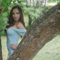 В саду :: Геннадий Белоусов