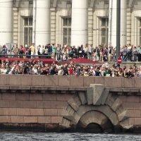 Народу собралось... :: Владимир Гилясев