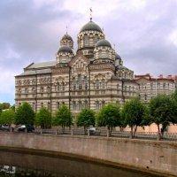 Женский монастырь :: Сергей Карачин