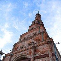 «Падающая» башня Сююмбике в Казани :: Den Ermakov