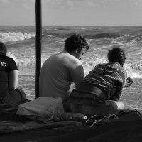 трое у моря :: M Marikfoto